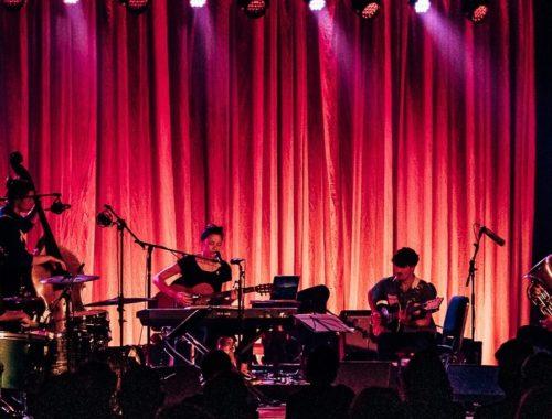 [Live Review] MUSICZINE | Naima Joris – Live at Baracita, Gent